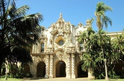 Casa del Prado Building