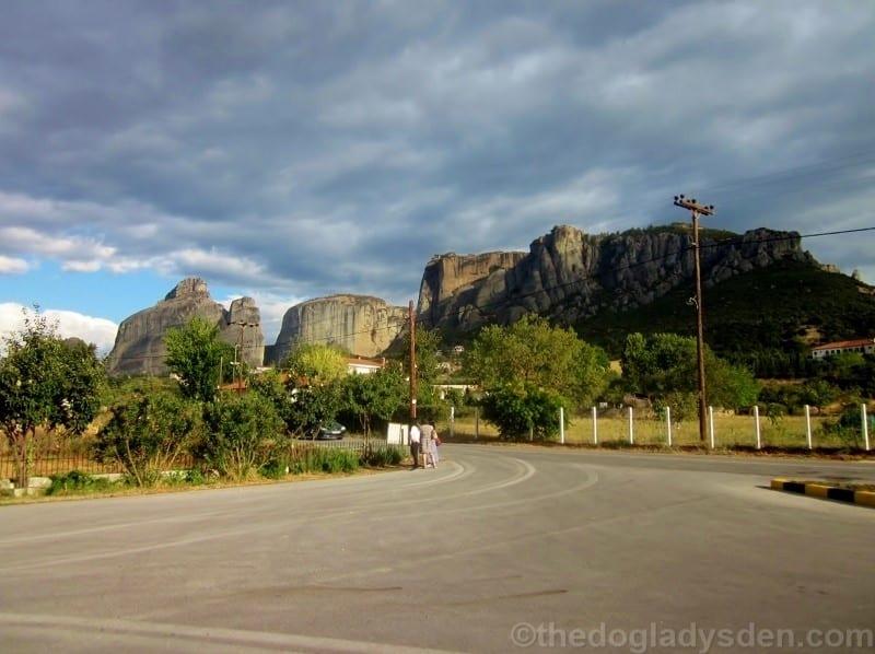 approaching Kalambaka