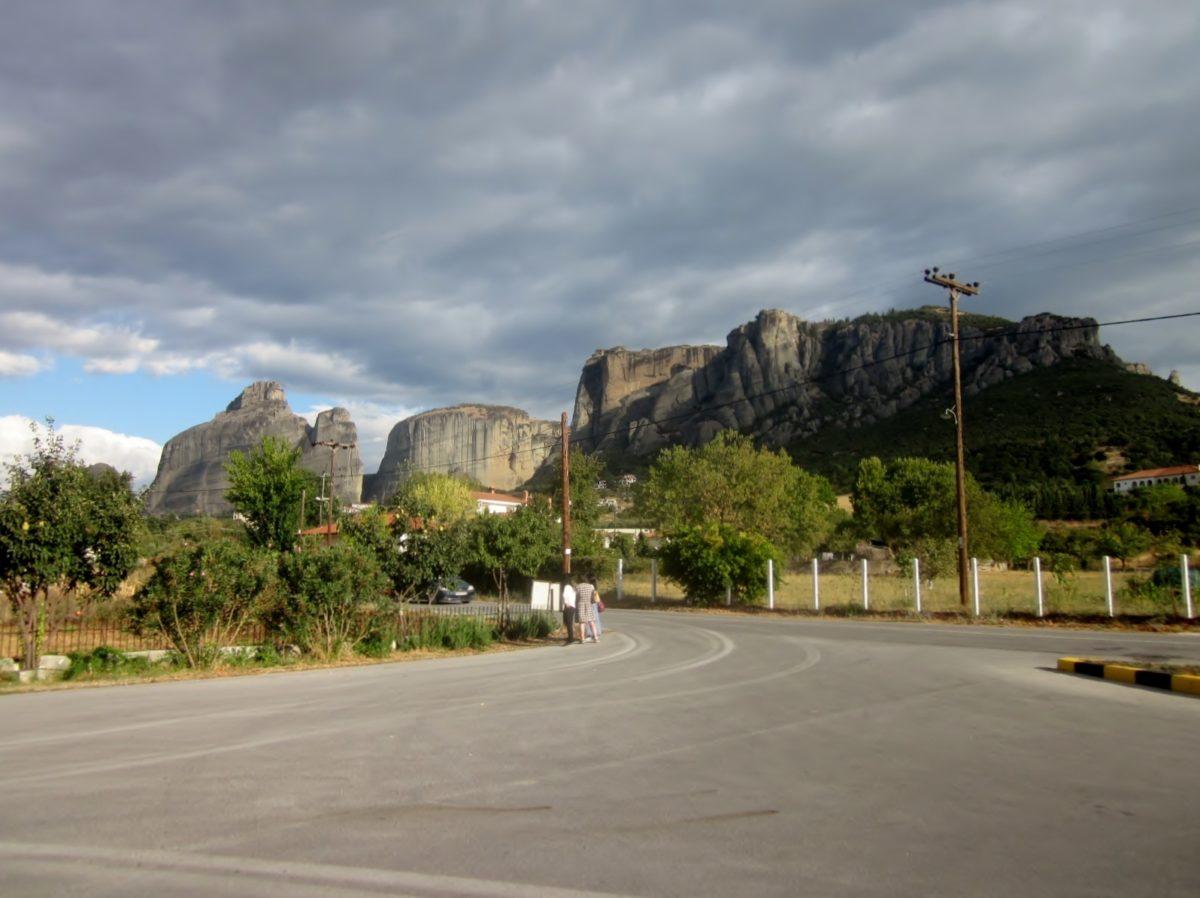 Approaching Kalambaka and Meteora
